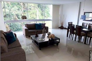 Casa en venta en El Poblado de 3 hab. con Jardín...