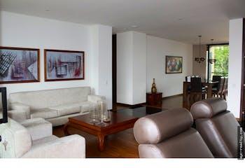 Apartamento en El Campestre, Poblado - 220mt, tres alcobas, balcón