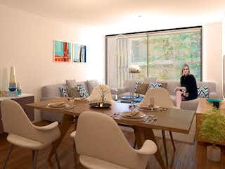 Una sala de estar llena de muebles y una ventana en Splendor Anaxágoras