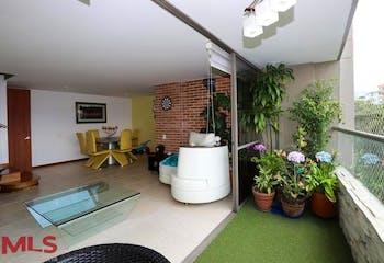 Apartamento en San Lucas, Poblado - 120mt, tres alcobas, balcón