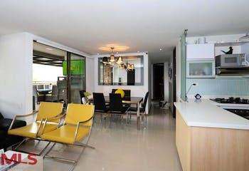 Apartamento en El Tesoro, Poblado - 82mt, tres alcobas, terraza