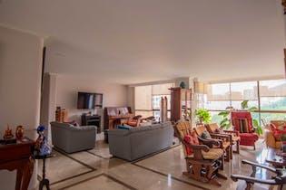 Apartamento en venta en Patio Bonito de 3 hab. con Piscina...
