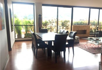Apartamento en La Carolina, La Carolina - 200mt, tres alcobas, balcón
