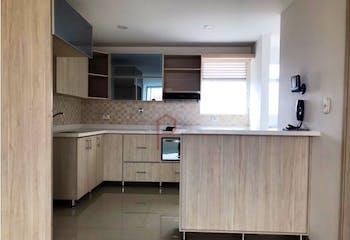 Apartamento en Conquistadores, Laureles - 105mt, tres alcobas, balcón