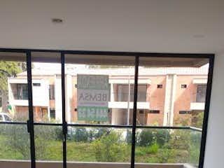 Una ventana se muestra con una ventana en el fondo en Apartamento en Venta VEREDA LOS ALTICOS SAN ANTONIO DE PEREIRA