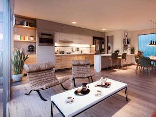 Una sala de estar llena de muebles y una mesa en Habitat del Rio