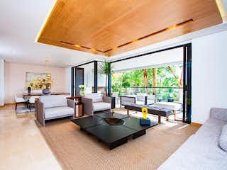 Una sala de estar llena de muebles y una gran ventana en Almendros de la Calera