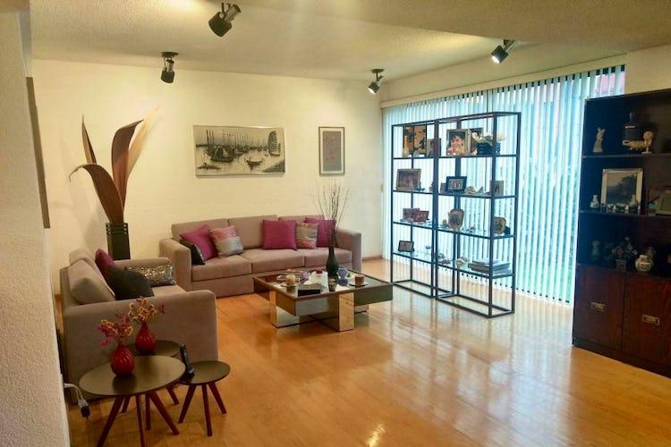 Portada Casa en venta en Copilco 307 m2 con vista al jardín