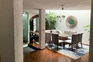 Casa en venta en Lomas Quebradas, de 289mtrs2