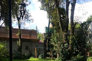 Casa en Venta en Santa Catarina Coyoacán, 750 m2 con 5 estacionamientos