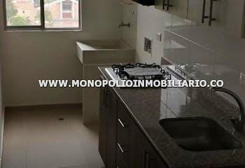 Apartamento en Rionegro, San Cayetano - 66mt, tres alcobas, balcon