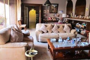 Casa en venta en Bosque de las Lomas de 966mts, cinco niveles