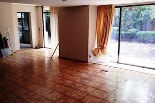Casa en venta en Bosque de las Lomas de 513mts, cuatro niveles