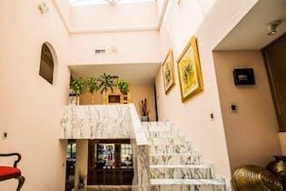 Casa en venta en Club de Golf Bellavista de 600mts, tres niveles