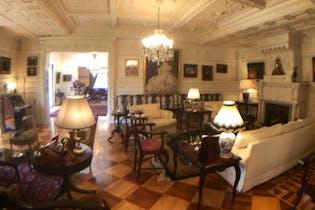 Casa en venta en Real de las Lomas de 739mts, tres niveles