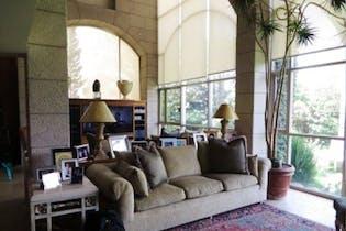 Casa en venta en Bosque de las Lomas de 1002mts, dos niveles