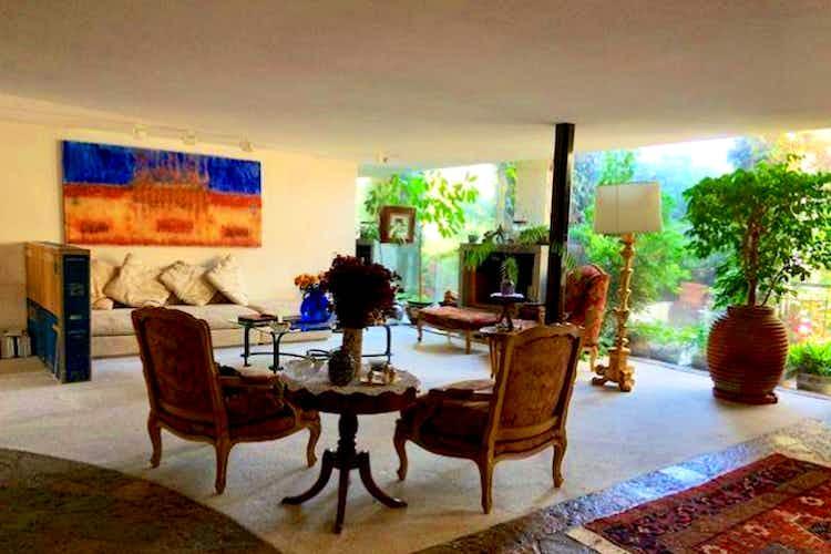 Portada Casa en venta en Lomas De Tecamachalco, 430mt de tres niveles.