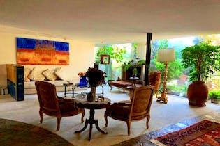 Casa en venta en Lomas De Tecamachalco, 430mt de tres niveles.