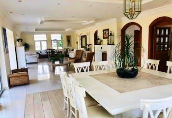 Casa en venta en Hacienda De Las Palmas, de 1008mtrs2
