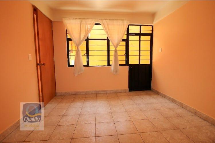 Portada Casa en venta en Zona Centro de 191mts, dos niveles