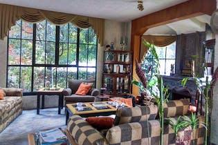 Casa en Venta en  Fuentes del Pedregal de 331 mt2. con 3 niveles.