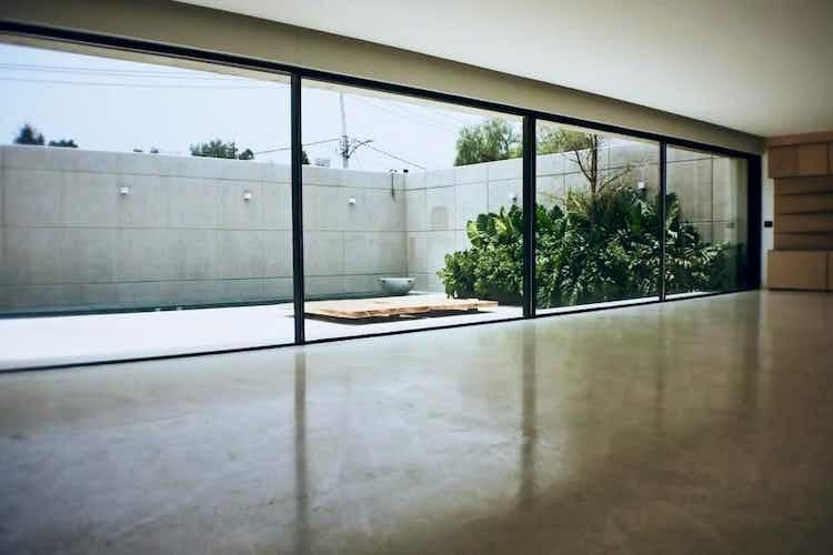Portada Casa en venta en Jardines del Pedregal de 1300 mt2. con 3 niveles.