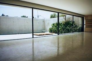 Casa en venta en Jardines del Pedregal de 1300 mt2. con 3 niveles.
