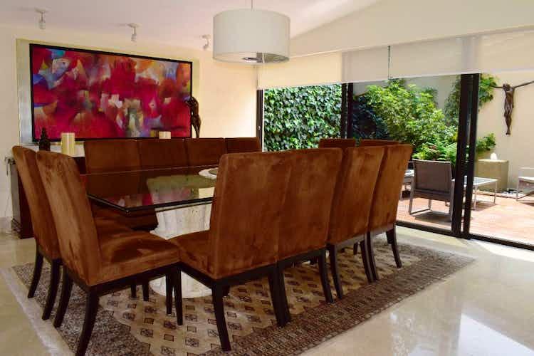 Portada Casa en venta en Jardines del Pedregal de 1247 mt2. con alberca.