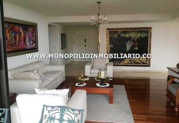 Apartamento en venta en Los Balsos 250m² con Piscina...