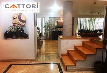 Casa en venta en San Jerónimo Aculco de 309mts, tres niveles