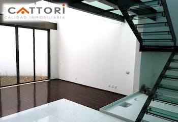 Casa en venta en Fuentes del Pedregal de 392mts, tres niveles