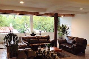 Casa en venta en La Magdalena de 510mts, tres niveles