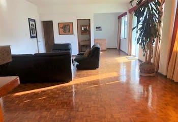 Casa en venta en Lomas Anáhuac de 346mts, tres niveles
