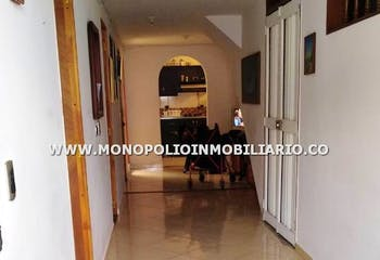 Casa en venta en La Esperanza, 87mt con balcon.