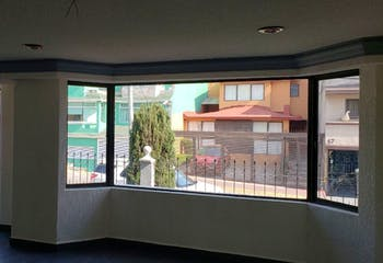 Casa en venta en Jardines De Satelite, 376mt de dos niveles.