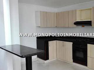 Cocina con fogones y microondas en CORTIJO DE SAN JOSE 15