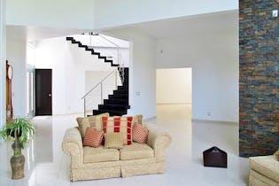 Casa en venta en Condado De Sayavedra, 500mt de tres niveles.
