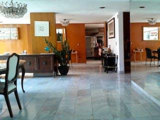 Una sala de estar llena de muchos muebles en Casa en Tlalpan Centro, de 4 recamaras
