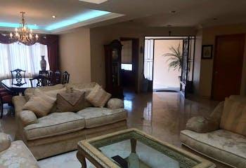 Casa en  Venta en Hacienda De Las Palmas, de 250mtrs2