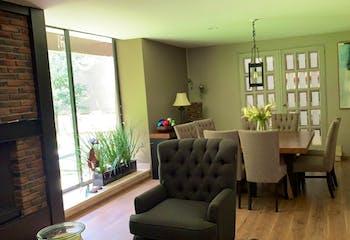 Casa en venta en El Olivo, de 390mtrs2