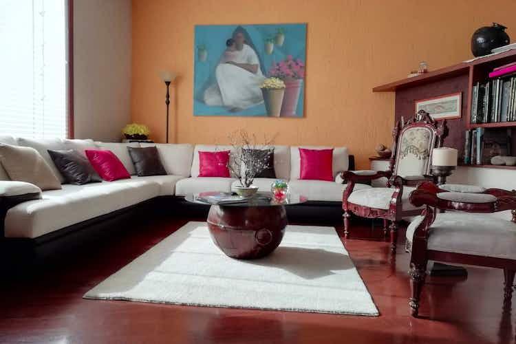 Portada Casa en venta en  Paseo de las Palmas de 4 recamaras