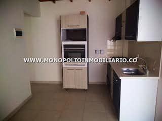 Cocina con fogones y microondas en APARTAMENTO EN VENTA -  SANTA MONICA II LA AMERICA COD: 12357