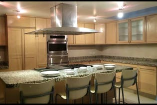 Casa en venta en Barrio Santa Catarina, Coyoacán 1,200 m2, 2 niveles
