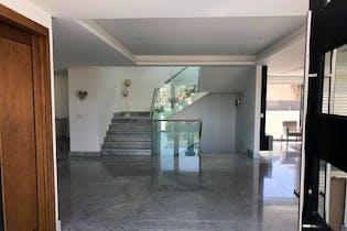 Casa en venta en Club De Golf Residencial de 890mts, cuatro niveles