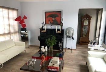 Casa en venta en Jardines del Pedregal de 554mts, dos niveles