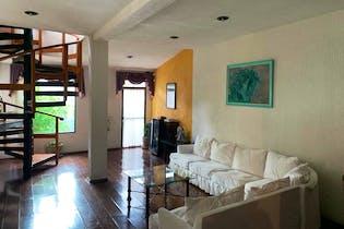 Casa en venta en Fuentes Brotantes de 349mts, dos niveles
