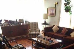 Casa en venta en Country Club, 390mt de dos niveles.