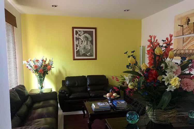 Portada Casa en venta en Lomas de Vista Hermosa, 208mt de dos niveles