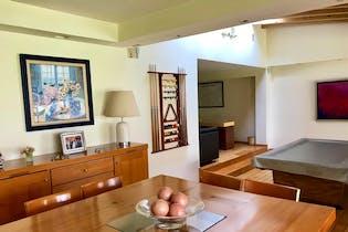 Casa en venta en Lomas de Vista Hermosa de 617 mt2. con 2 niveles.