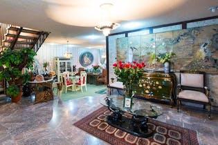 Casa en Venta en Lomas De Tecamachalco, de 435mtrs2